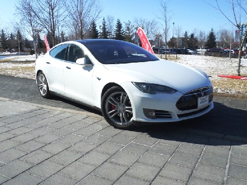 tesla model s 2016 guide achat essais routiers actualit s chroniques et bien plus essai. Black Bedroom Furniture Sets. Home Design Ideas