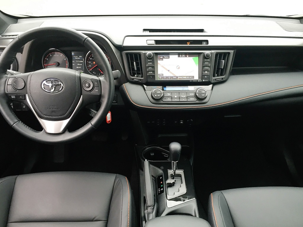 toyota rav4 2016 essais routiers actualit s chroniques. Black Bedroom Furniture Sets. Home Design Ideas