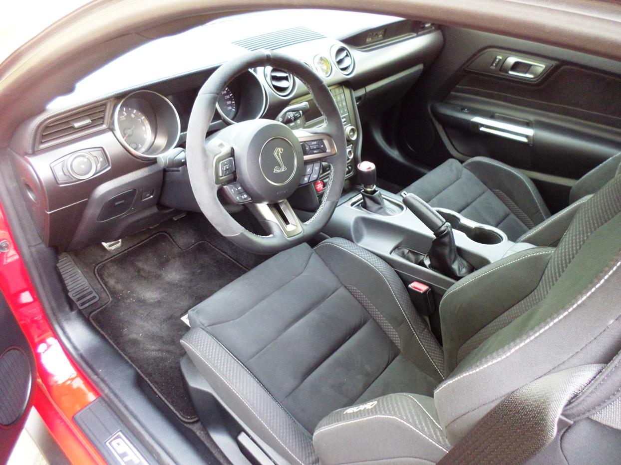 ford mustang gt vs ford shelby gt350 essais routiers actualit s chroniques et bien plus