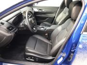 cadillac_ct4_front_seat
