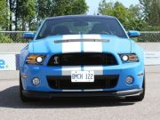 ford-mustang-shelby-gt500-2013-vs-contre-ford-mustang-boss-302-comparatif-f12