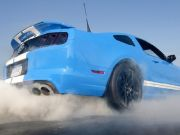 ford-mustang-shelby-gt500-2013-vs-contre-ford-mustang-boss-302-comparatif-f16