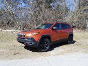 2015-jeep-cherokee-trailhawk-f1