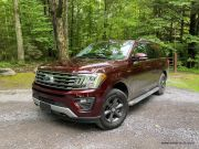 02-Ford_Expedition2020_01